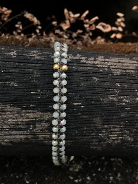 creamy white & 14 krt golden bead bracelet