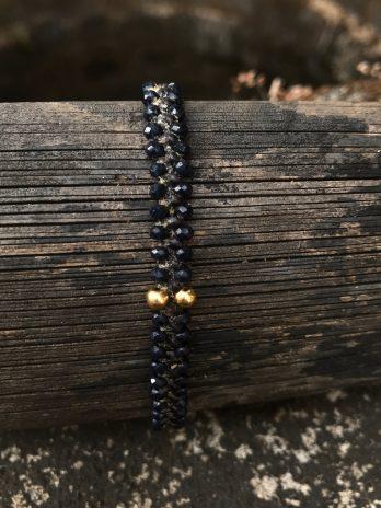 Indigo glass & 14 krt golden bead bracelet