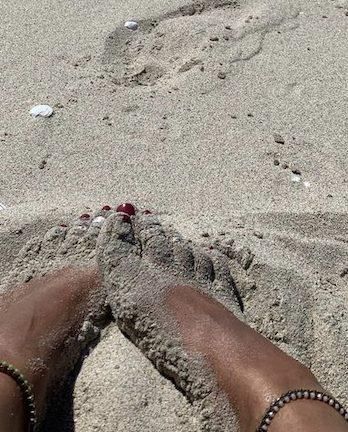 Transparent glass & hematite anklet