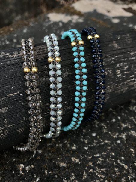 turquoise glass & 14 krt golden beads bracelet